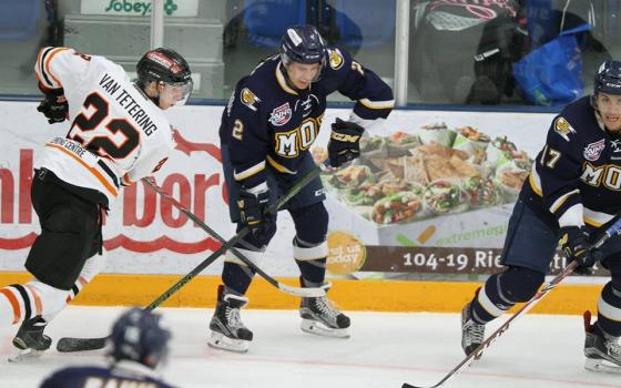 Oil Barons Kichton signs with WHL's Giants